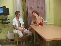Russkaja mamochka ebetsja