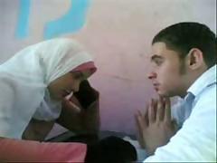 Arabka ili indijka s ofigennym telom