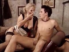 Starushka i mamochka v popku