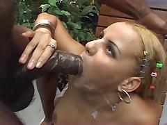 Лариса дает во все свои мокрые дыры
