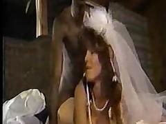 Зрелая невеста дает негру раком