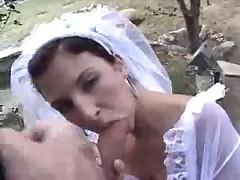 Свадебная ебля красивой брюнетки на природе