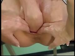 Фистинг на гинекологическом кресле
